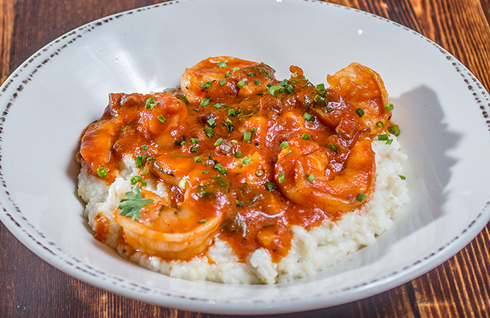 Queenie's: Shrimp & Grits