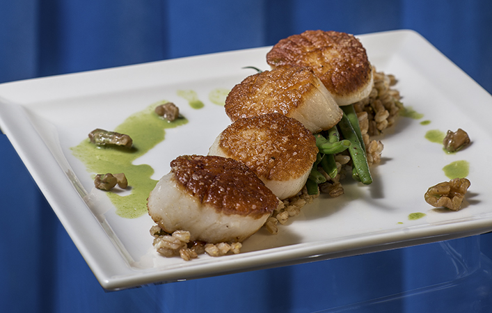 Taste of Life: Seared Scallops, Basil Beurre Blanc, and Green Beans with Walnuts